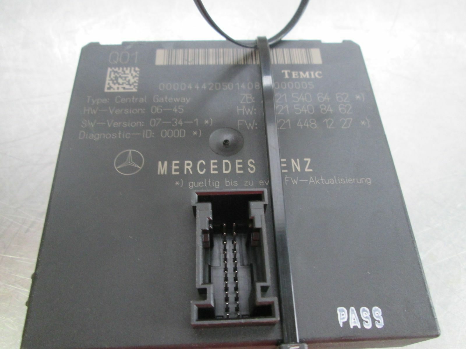 Central Multi Function Gateway Control Module 2215406462 Mercedes S550 W221  2009