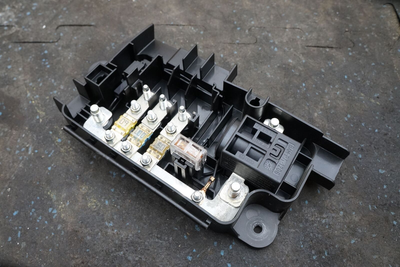 battery fuse box on audi best part of wiring diagrambattery fuse box block cut off switch 420937548a 4f0915519 audi r8battery fuse box
