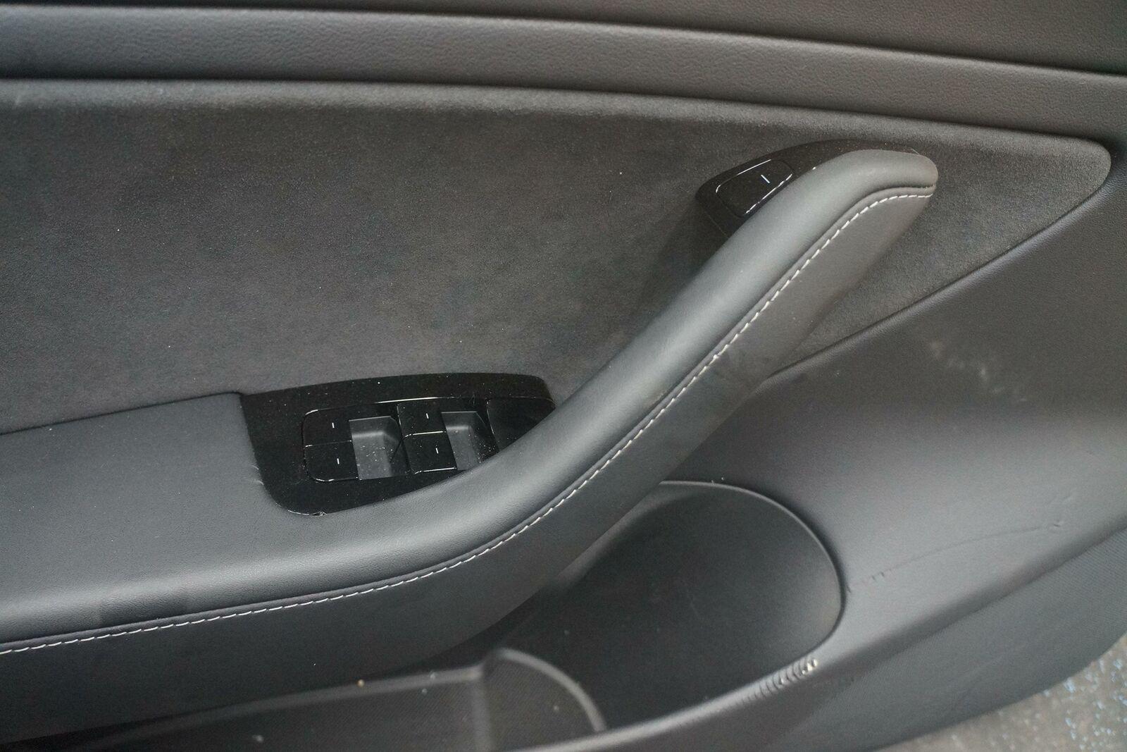 Front Left Driver Interior Door Trim Panel 1090409-01-J ...