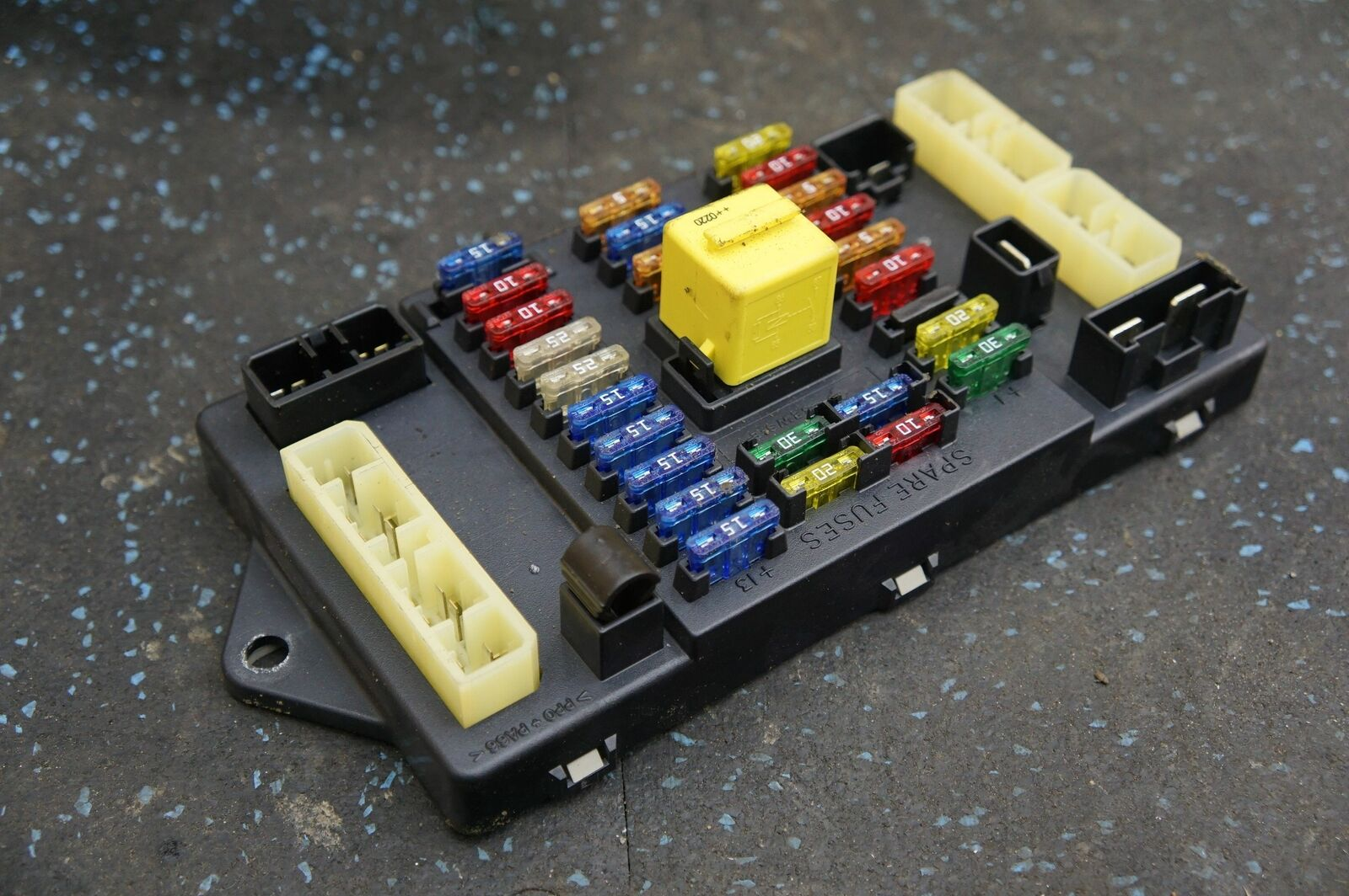 left trunk boot fuse relay box board pm55189pa oem bentley arnage r t rl gl  2004