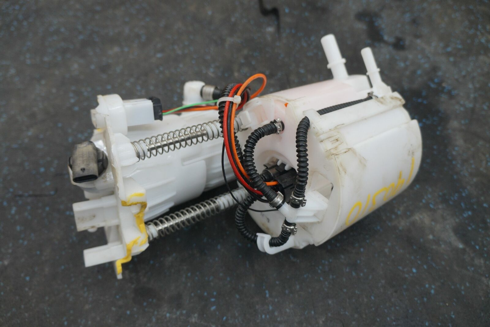 Gas Fuel Pump Sender 2464701194 Mercedes GLA250 CLA250 X156 C117 2015-19  *Note
