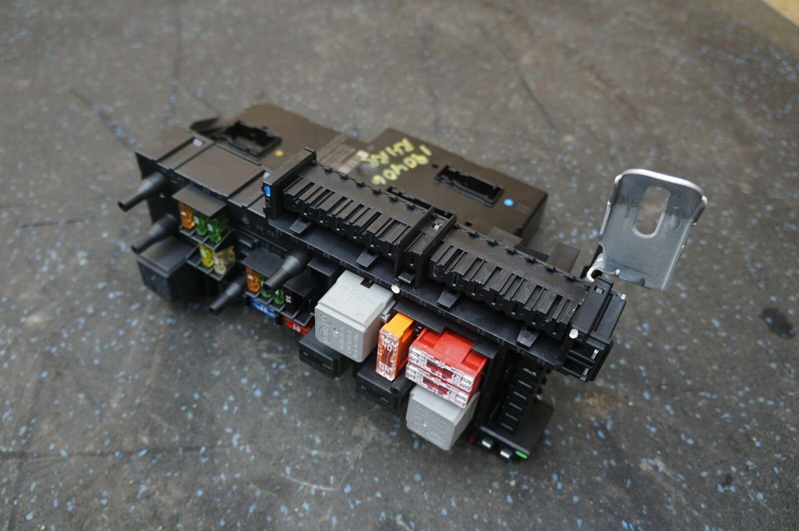 Rear SAM Fuse Body Control Module Assembly 2129004022 Mercedes W212 Sedan  13-16