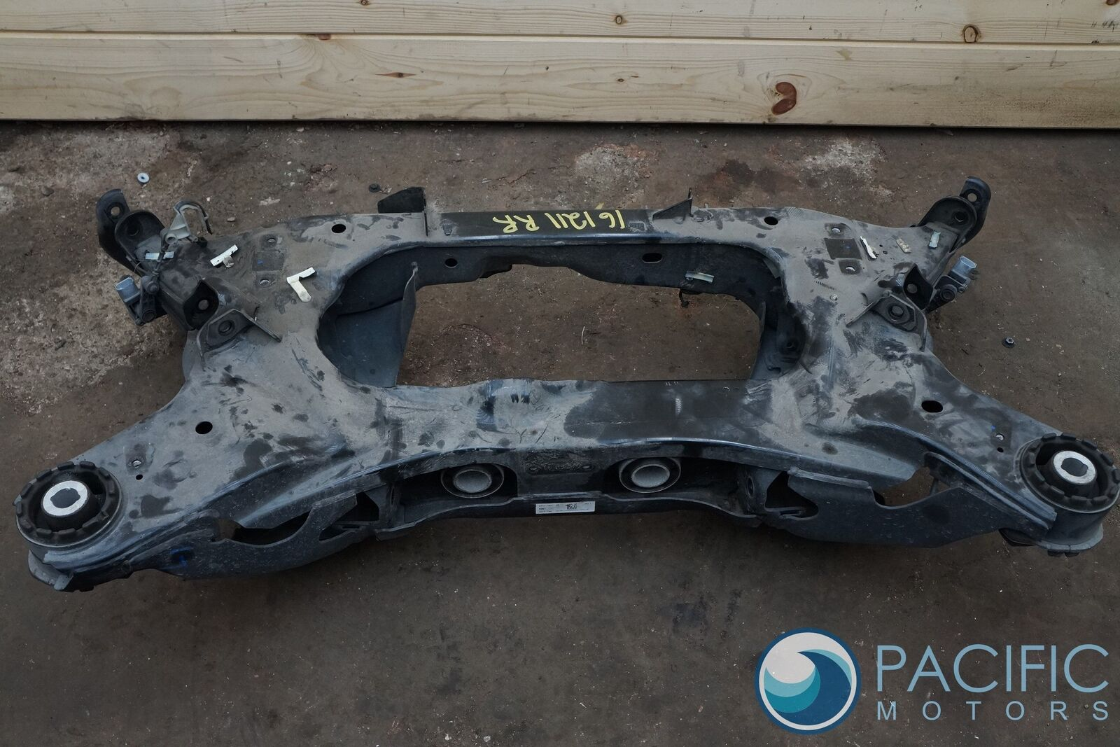 Rear Suspension Subframe Cradle Crossmember C2D32739 Jaguar XJ XJL 2010-17