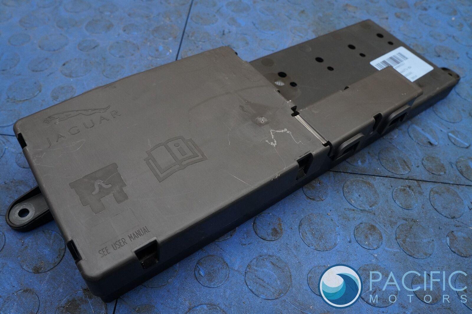 rear trunk fuse relay box battery terminal c2d6768 jaguar xj