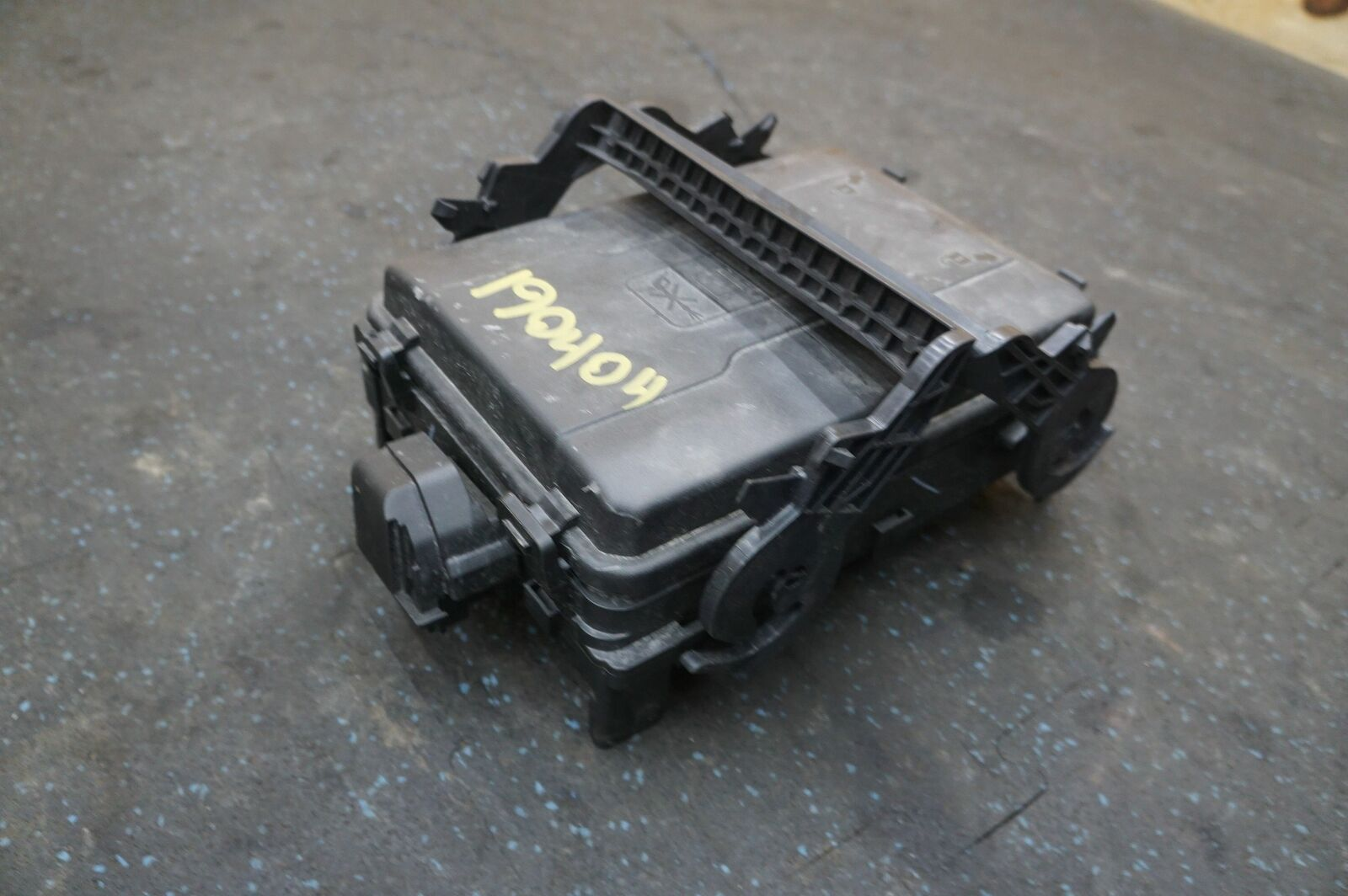 front engine fuse box
