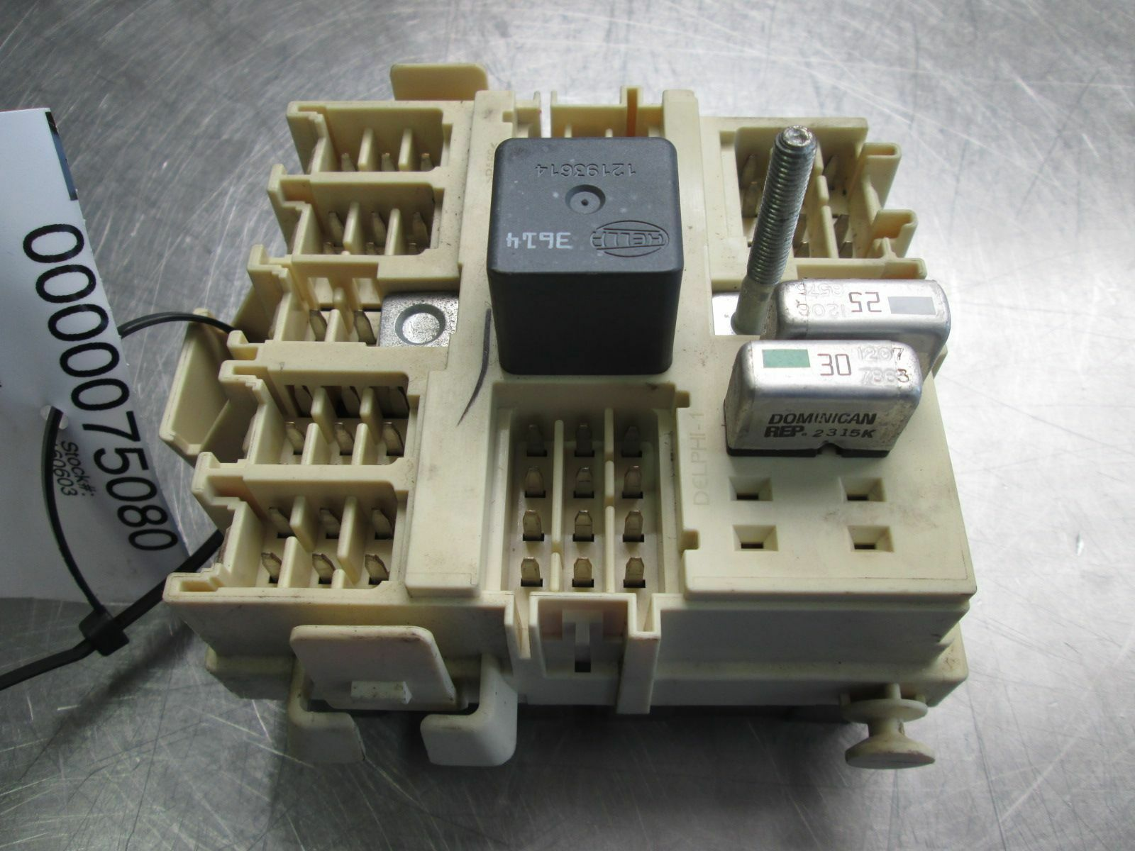 Center Dash Panel Fuse Relay Power Box 15190658 Oem Hummer H2 Suv Sut 2003