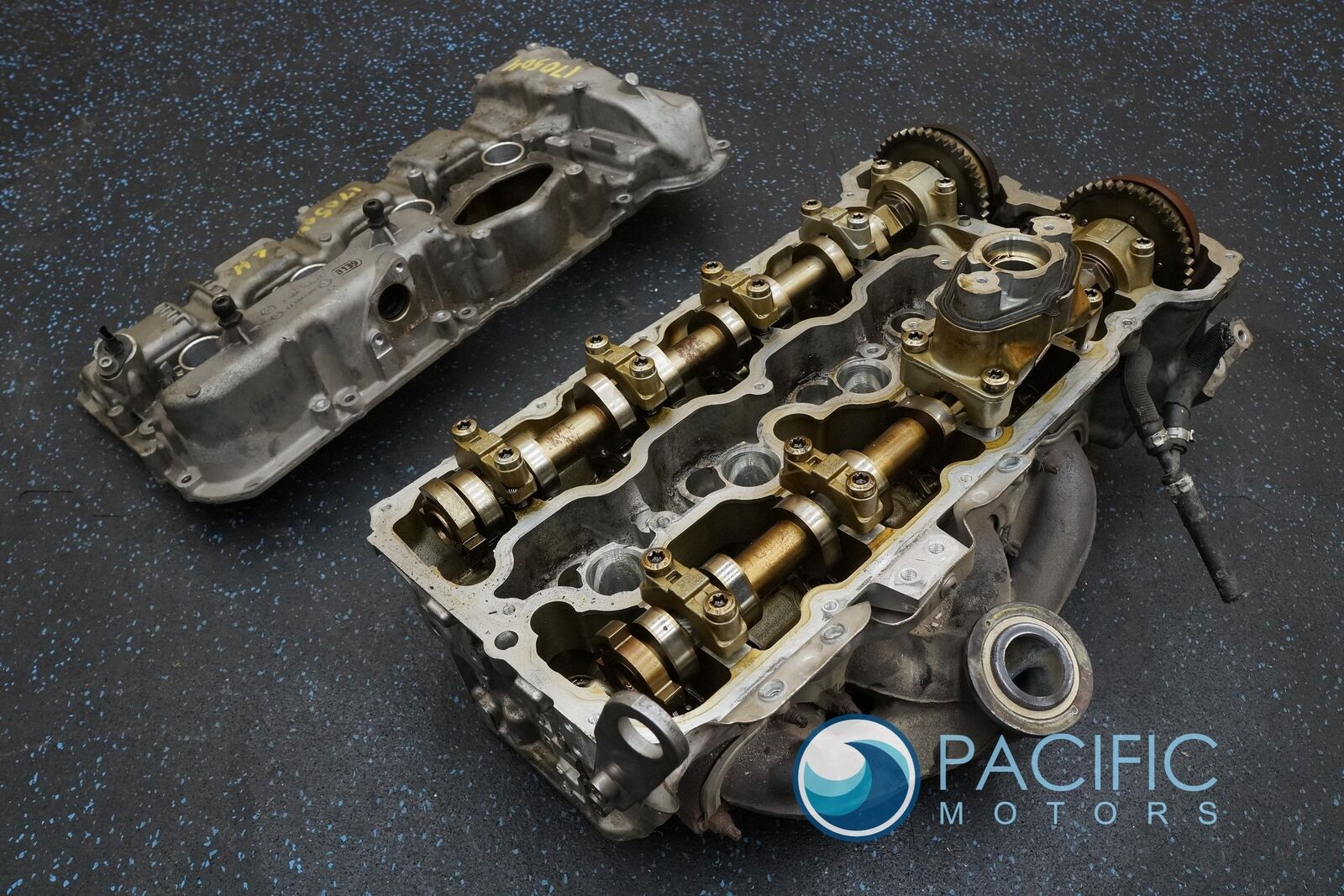 Left Cylinder Head & Valve Cover 11127573933 4 4L 550i GT F01 F07 F10 F12  08-14