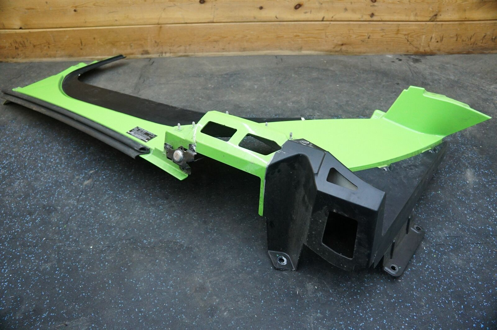 Left Side Rocker Molding Trim Panel Green OEM McLaren 650S * NOTE Damage *