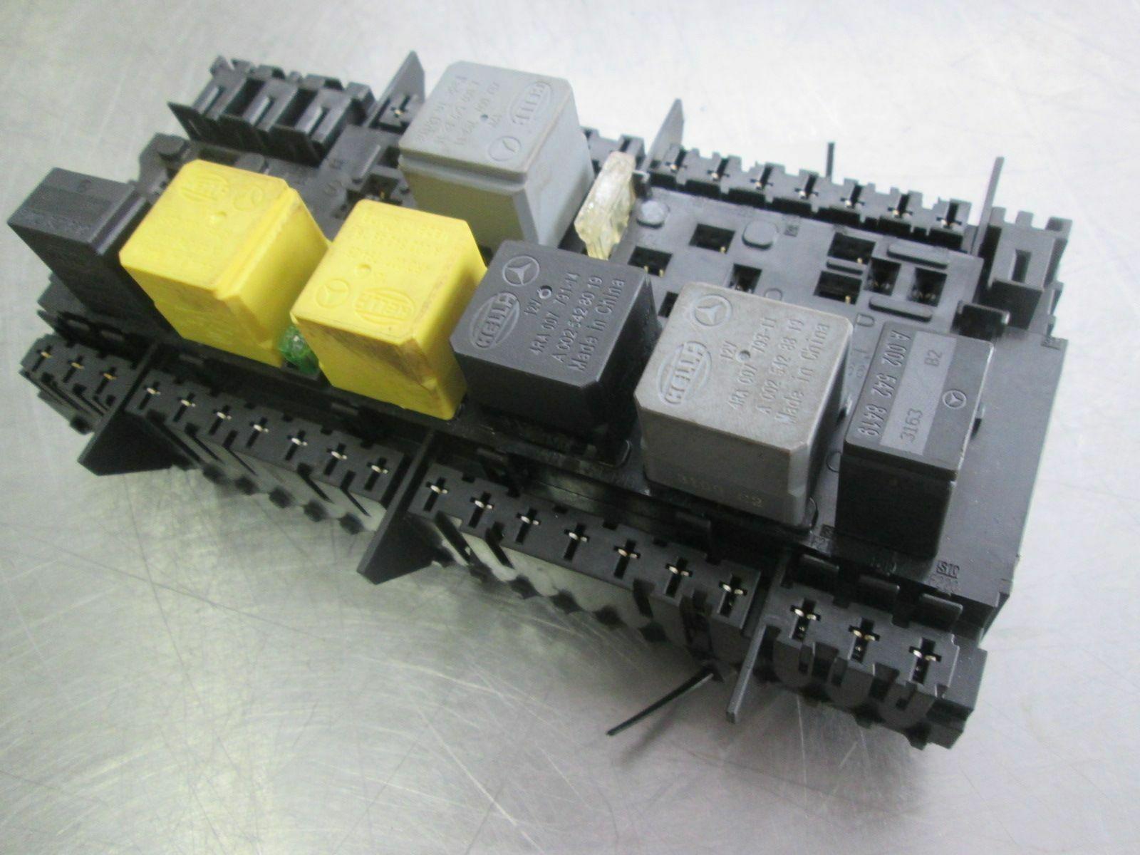 vertical mount engine relay box 2469060093 mercedes cla250