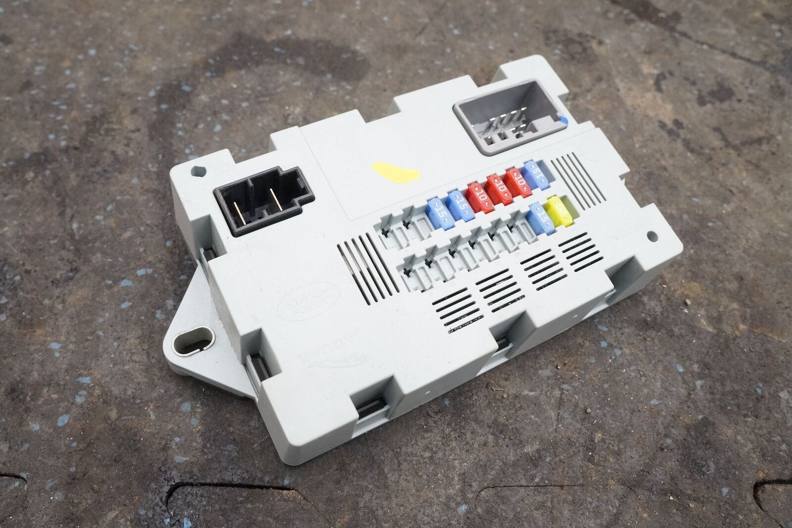 2013 Range Rover Fuse Box Simple Wiring Diagram 04 Kenworth Rear Luggage Compartment Cabin Lr041091 Oem Ford Fiesta