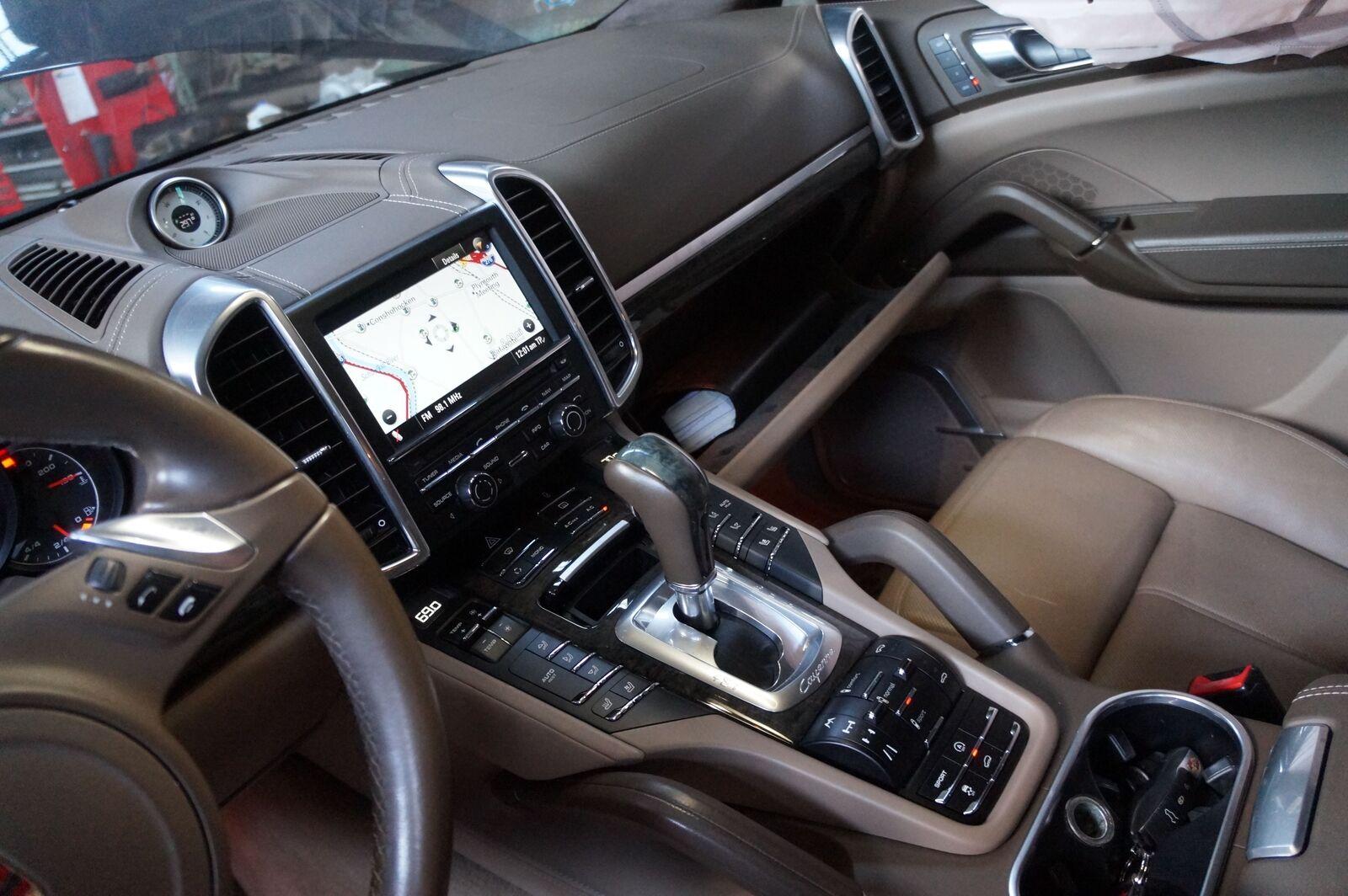 Automatic Transmission Gear Shifter 95842609310 OEM Porsche Cayenne 958  2011-14