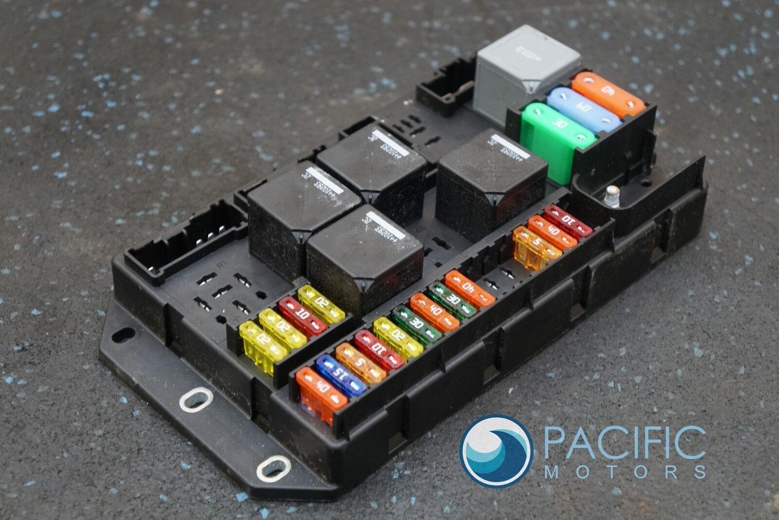 rear quarter trunk fuse box relay block c2d2465 aw9314a073bc jaguar xj xjl  2011