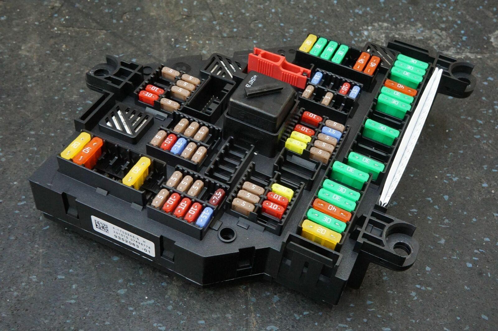 Rear Body Power Fuse Relay Box 61149352083 Oem Rolls Royce